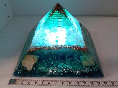 Orgoniet piramide Arc Light Tegen overbelasting 13,5 cm x 13,5 cm grondoppervlakte